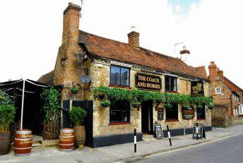 Pub serving food in Rickmansworth