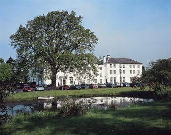 Luxury hotel in Hadley Wood
