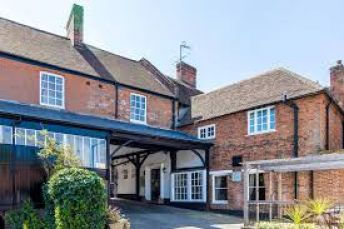 Hotel with pub and beautiful accommodation