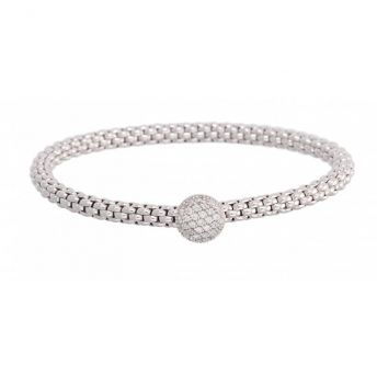 Jeweller with beautiful jewellery for men and women